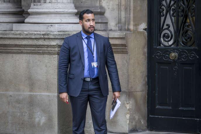 Alexandre Benalla, chargé de la sécurité du chef de l'Etat, au Palais de l'Elysée à Paris, le 18 mai 2017.