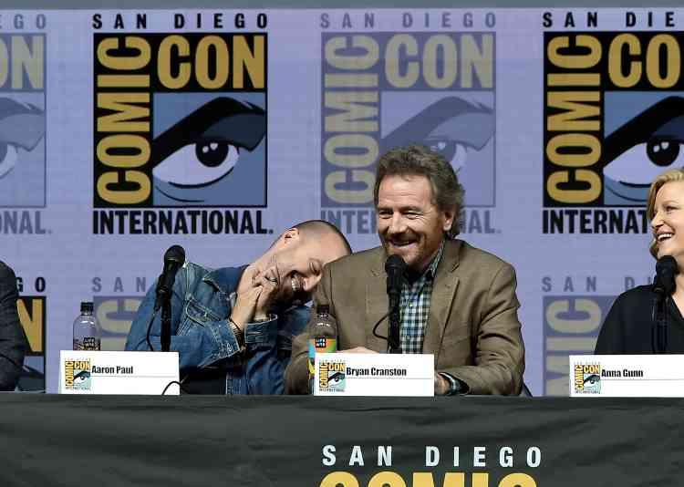 Pour fêter le dixième anniversaire de la série culte« Breaking Bad», les acteursAaron Paul, à gauche, et Bryan Cranston, à droite, se sont réunis lors d'une conférence au Comic-Con.