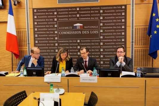 Réunion de la commission des lois à l'Assemblée nationale samedi 21 juillet 2018.