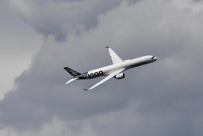 Un Airbus A350-1000 au Salon de l'aéronautique de Farnborough (Angleterre), près de Londres, le 17 juillet.