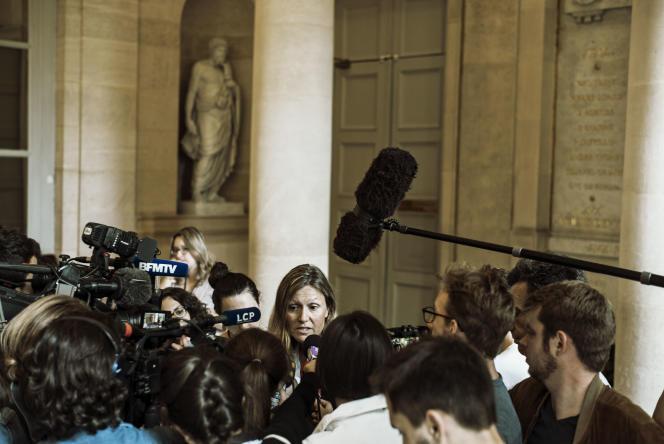 La présidente de la commission des lois, Yaël Braun-Pivet, répond aux questions des journalistes dans la salle des Quatre-Colonnes, le 20 juillet.