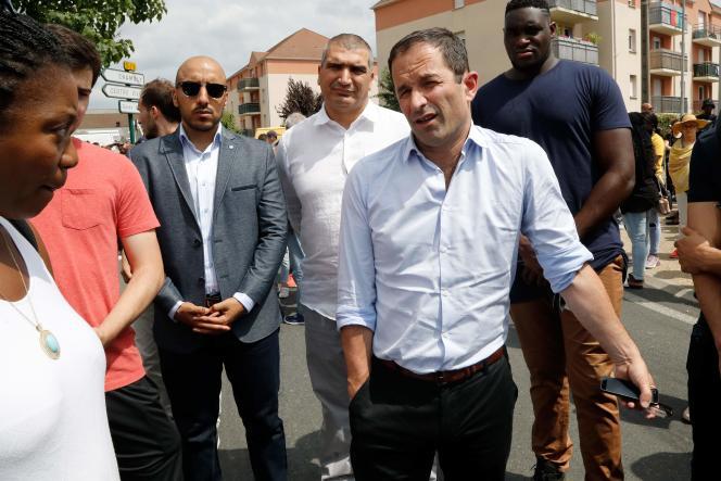 Benoît Hamon, lors de la marche à Beaumont-sur-Oise, le 21 juillet.