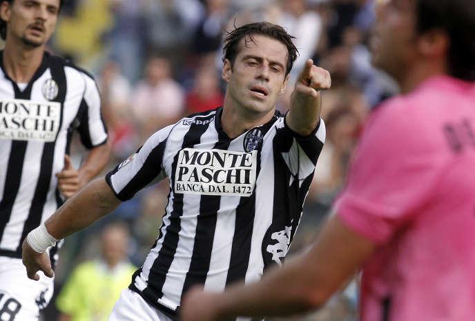 Emanuele Calaio, ici sous le maillot de Sienne, a été suspendu deux ans, lundi 23 juillet.