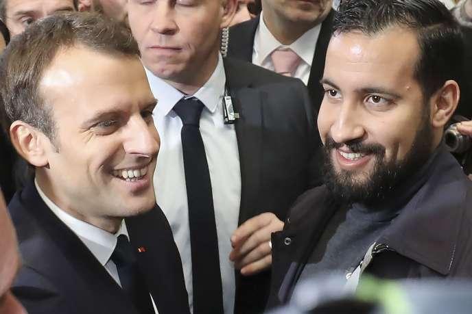 Emmanuel Macron et Alexandre Benalla au Salon de l'agriculture, à Paris, le 24 février.