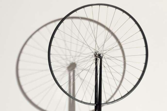 «Roue de bicyclette 1913/1964», deMarcel Duchamp (1887-1968).