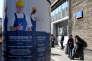 Publicité pour une entreprise qui aide les travailleurs étrangers, àVarsovie, le 26 avril.