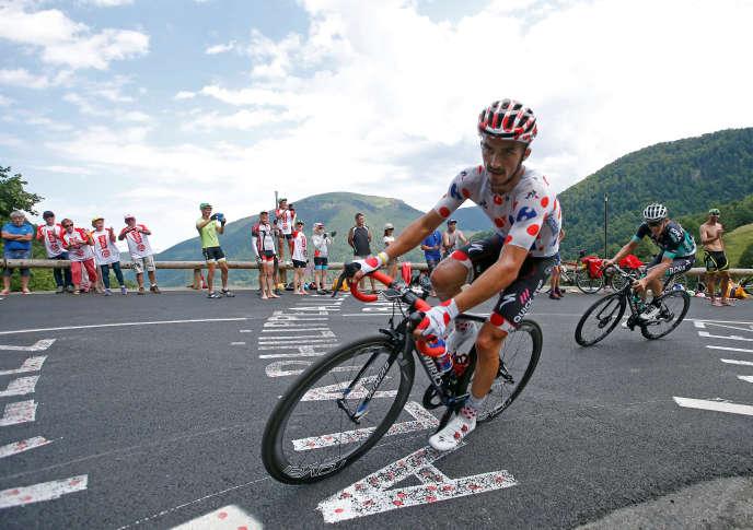 Julian Alaphilippe, sur les routes des Pyrénées, lors de la 16e étape entre Carcassonne et Bagnères-de-Luchon, le 24 juillet.