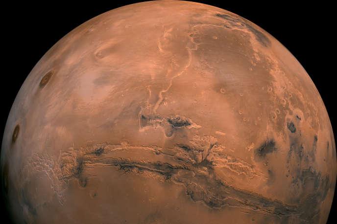 L'eau du lac qui vient d'être découvert sur Mars se trouve à 1,5 kilomètre sous la surface, dans un environnement rude.
