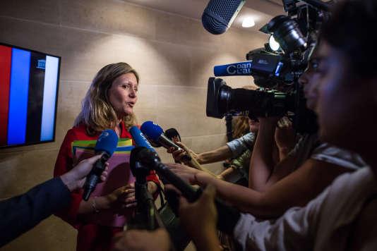 Yaël Braun-Pivet, présidente de la commission des lois, répond aux questions des journalistes, àl'Assemblée nationale, le 23 juillet.