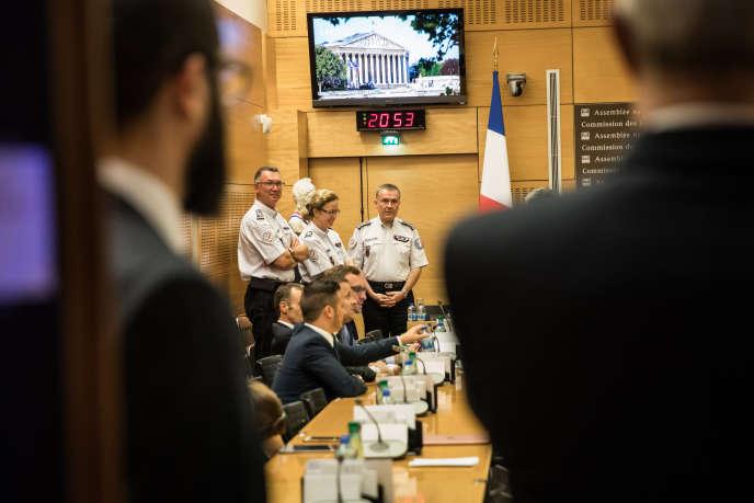 Alain Gibelin a donné le 23 juillet une version des faits qui fragilise la défense de l'Elysée, avant de rectifier ses propos le 24 juillet.