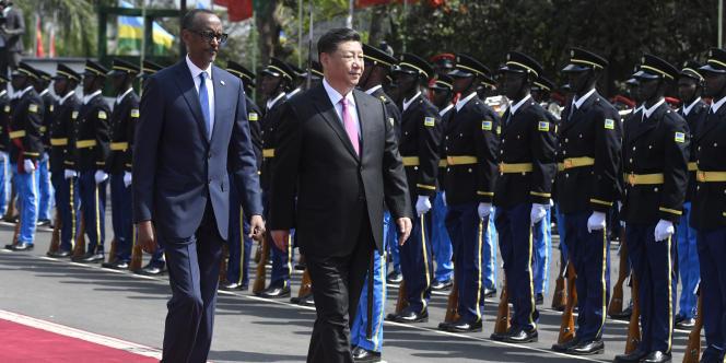 Le président chinois Xi Jinping et son homologue rwandais Paul Kagame à Kigali, le 23 juillet 2018.