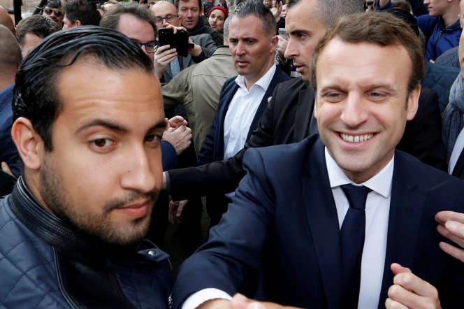 Alexandre Benalla et Emmanuel Macron, le 5 mai 2017, à Rodez.