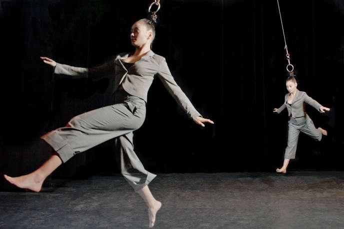 Le spectacle «Capilotractées» des Finlandaises Sanja Kosonen et Elice Abonce Muhonen.