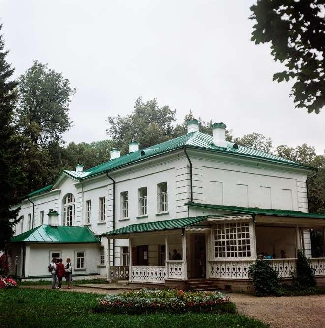 Le photographe Igor Starkov s'est rendudans l'ancienne résidence deTolstoï, près de Toula, à 200 kilomètres de Moscou.