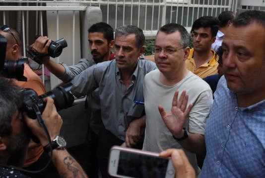 Andrew Brunson à sa sortie de prison, à Izmir.