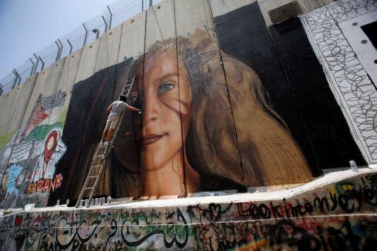 Fresque représentant Ahed Tamimi à Bethléem, le 25 juillet.