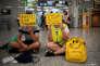 Des employés de la compagnie Ryanair en grève à l'aéroport de Palma de Majorque (Espagne), le 25 juillet.