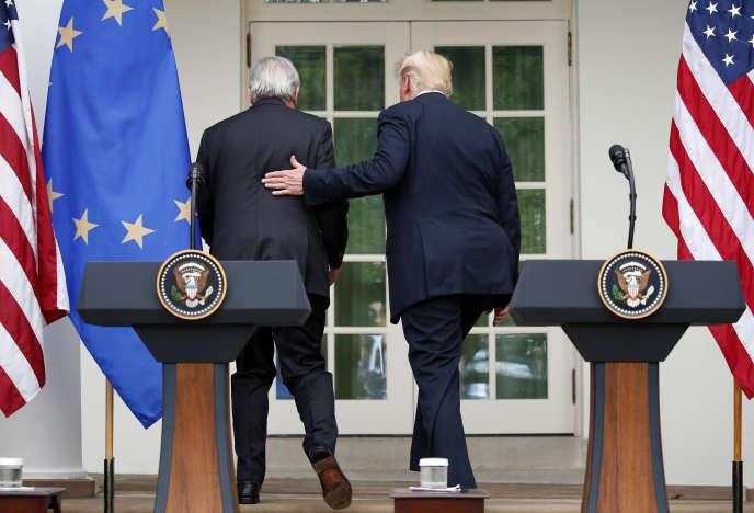Jean-Claude Juncker et Donald Trump dans la roseraie de la Maison Blanche à Washington (Etats-Unis), le 25 juillet.