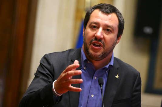 « Les ONG protestent et les trafiquants perdent leur business ? C'est bien, nous continuons », a déclaréMatteo Salvini, ministre de l'intérieur.