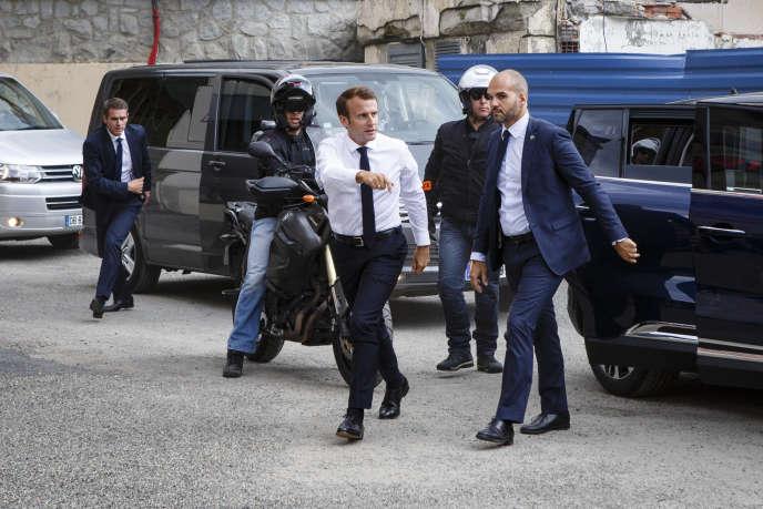 Le président Emmanuel Macron en visite à La Mongie (Hautes-Pyrénées), le 26 juillet.