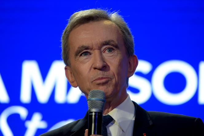 Le président du groupe LVMH, Bernard Arnault, à Paris, en avril.