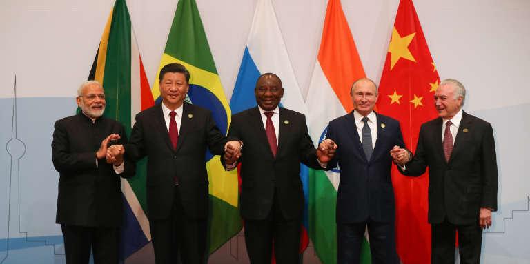 Les présidents indien, chinois, sud-africain, russe et brésilien au 10e sommet des BRICS, à Johannesburg, le 26 juillet 2018.