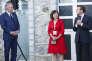 François Bayrou, Carole Delga (présidente de la région Occitanie) etEmmanuel Macron, à La Mongie (Hautes-Pyrénées), le 26 juillet.