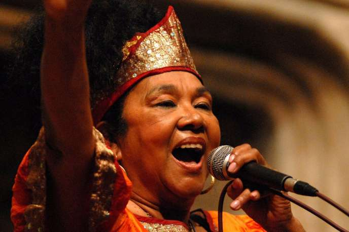 La chanteuse colombienneToto La Momposina.
