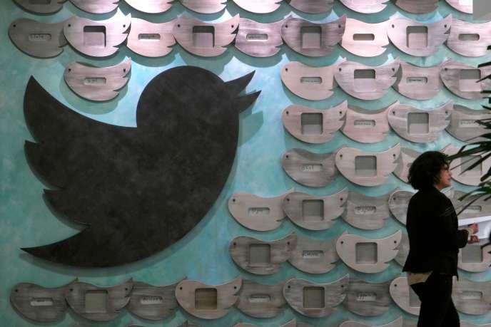 La valeur du titre de Twitter a chuté de 20,5 %, dès l'ouverture de la Bourse de New York, le 27 juillet.