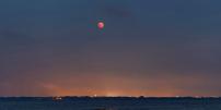 L'éclipse totale de Lune depuis La Grande-Motte le vendredi 27 juillet 2018.