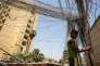 Installation électrique de fortune, à Bagdad, le 29 juillet.