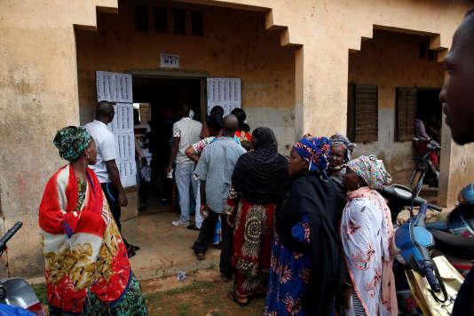 Quelque huit millions de Maliens doivent décider de reconduire le président Ibrahim Boubacar Keïta ou d'élire un de ses 23 concurrents.