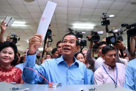 En interdisant le principal parti d'opposition, le premier ministre cambodgien Hun Sen– ici le 29 juillet– avait pris toutes les précautions pour assurer la victoire de sa formation.