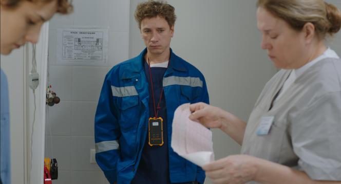 Oleg (Alexandre Yatsenko), le médecin urgentiste, rebelle et alcoolique d'«Arythmie».