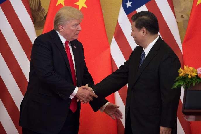 Le président américain, Donald Trump, et son homologue chinois, Xi Jinping, à Pékin, le 9 novembre.