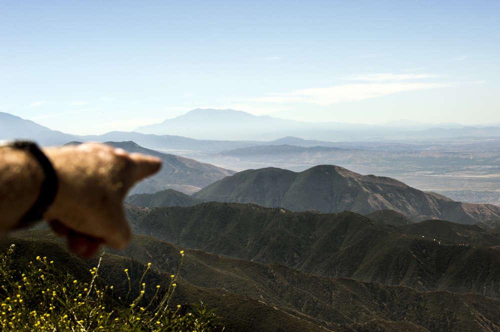 La forêt de San Bernardino qui surplombe Los Angeles est stratégique pour Nestlé, premier producteur d'eau en bouteilles aux Etats-Unis. Pour une somme dérisoire, il collecte la précieuse ressource.
