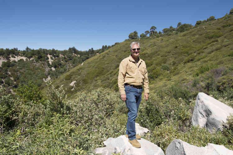 Larrry Lawrence, le responsable des ressources naturelles pour Nestlé affirme :« l'eau que nous collectons est celle qui coule naturellement»