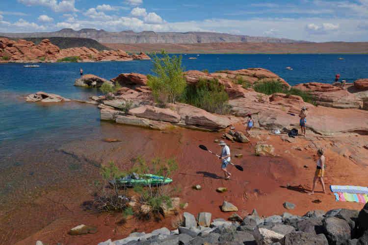 Le réservoir de Sand Hollow à côté de Saint George, une ville en pleine expansion dans le désert de l'Utah. C'est ici qu'arriverait le pipeline en provenance du lac Powell si celui-ci est construit.