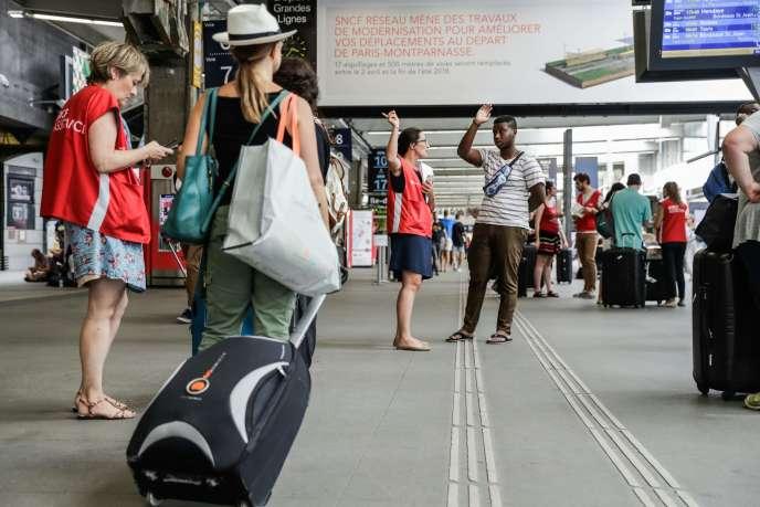 A la gare Montparnasse à Paris, le 30 juillet.