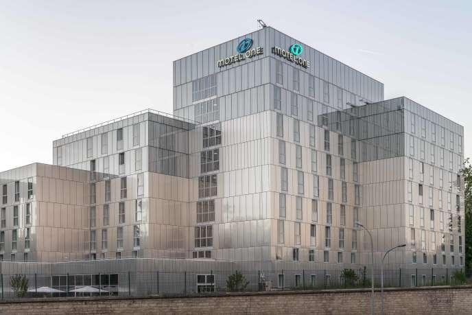 La chaîne d'hôtels allemande Motel One a ouvert au début du mois de juin son premier établissement parisien, situé porte Dorée.