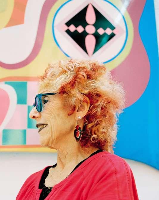 Judy Chicago a aujourd'hui 79 ans et continue son combat pour revendiquer la place des femmes dans l'art.