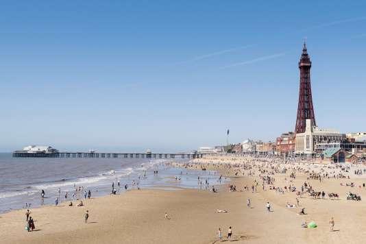 La Tour de Blackpool, inaugurée en 1894, est l'œuvre des architectes Maxwell et Tuke.