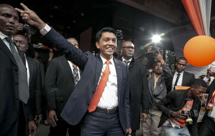 Andry Rajoelina à Antananarivo le 1er août 2018, à l'issue du meeting où il a annoncé sa candidature à la présidentielle prévue en fin d'année à Madagascar.
