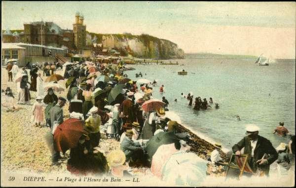 La plage de Dieppe (Seine-Maritime) aux alentours de1900.
