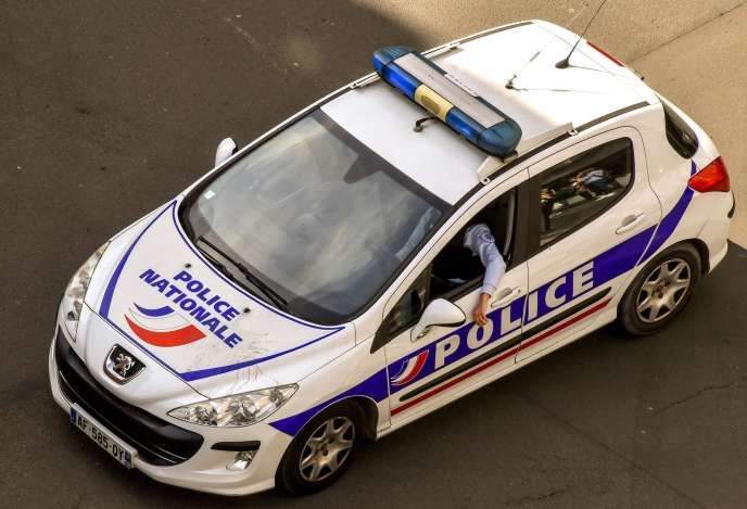 Une voiture de police, le 10 avril 2018 à Lille.