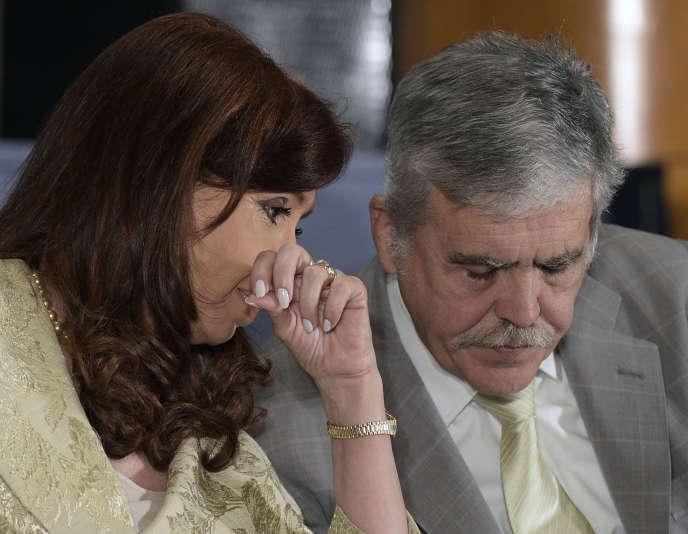Cristina Kirchner, alors présidente de l'Argentine, et Julio de Vido, alors ministre de la planification, à Buenos Aires en 2014.