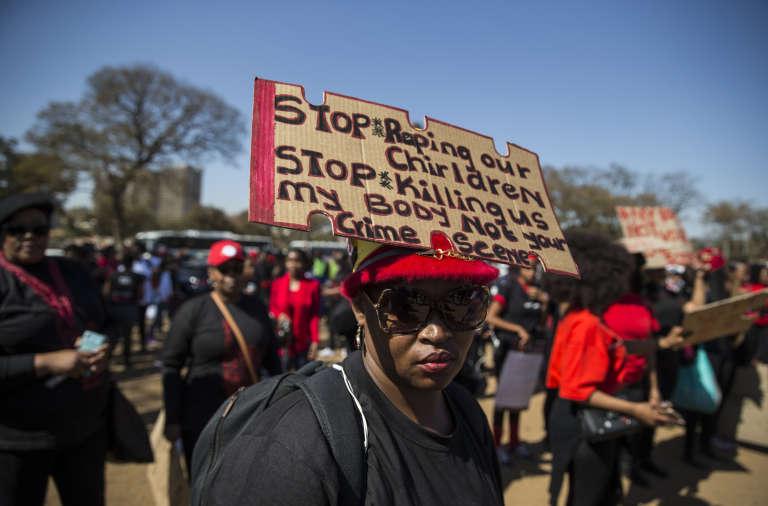 A Pretoria, le 1eraoût2018, avant le départ de l'une des dix-neuf manifestations de femmes contre les violences sexistes organisées dans toute l'Afrique du Sud.