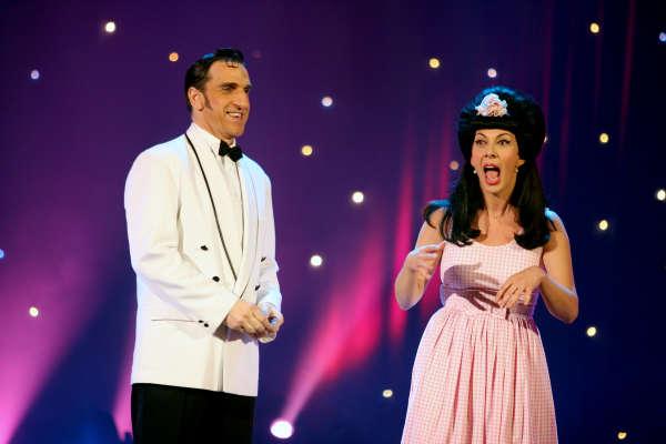 Shirley & Dino dans l'émission de réveillon du « Plus grand cabaret du Monde», le 31 décembre 2005.