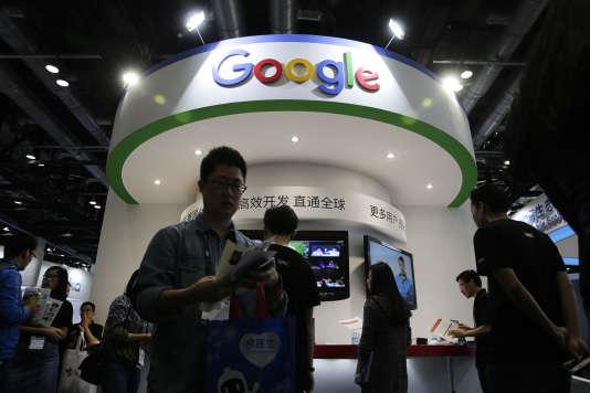 Un stand Google lors du salon Global Mobile Internet Conference, à Pékin (Chine), en avril 2016.