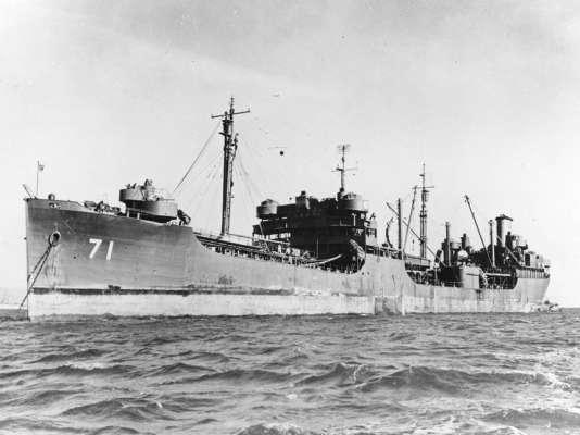 «L'USS Neshanic» en novembre 1945, à la fin de sa première vie. Il en aura trois autres.